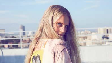 Kerastase Blond Absolu Blonde Hair Care - Set The Right Hair Tone